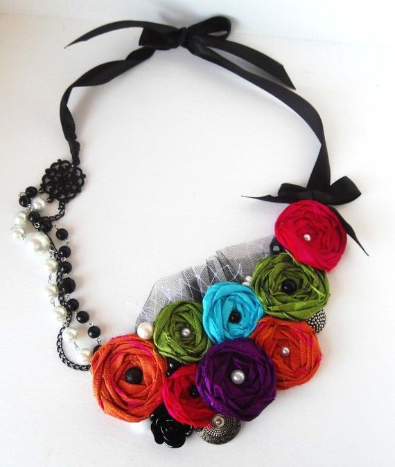 fabric rosette necklace: