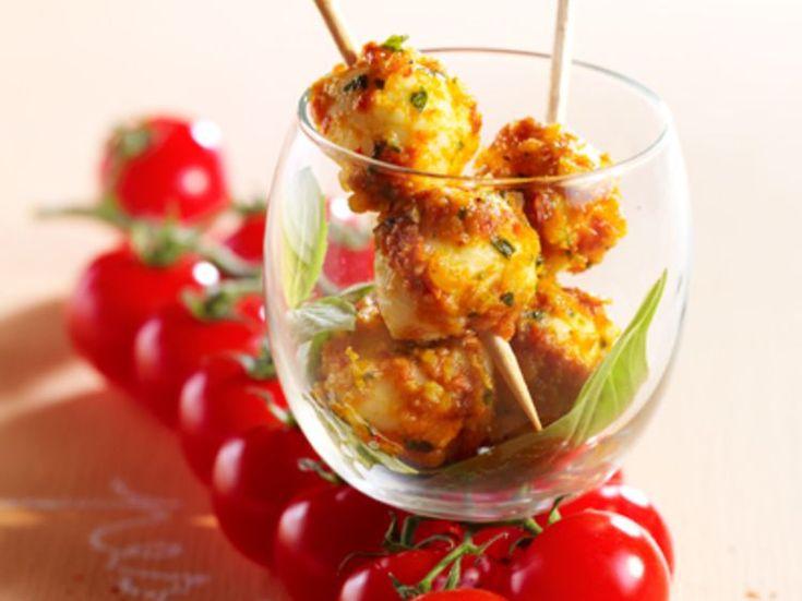 Découvrez la recette Mozzarella au pesto rouge sur cuisineactuelle.fr.