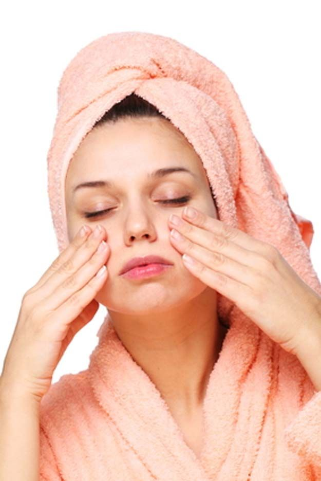 Best Skin Care Tips For Your 20s - How To Exfoliate Your Face At Home - The Best Skin Care Regimen For 20 Year Olds And Dermatologist Recommended Skin Care Routines That You Can Do At Home Easily. These Tips And Tricks Come With Step By Step Tutorials And Regimens And Routines For Skin Care For Early 20s And Late 20s. Check Out These Beauty Products And Essential Oils or Anti Aging And Dealing With Acne, Scarring, And Oily Skin. Great For Dark Circles and Puffy Eyes As Well…