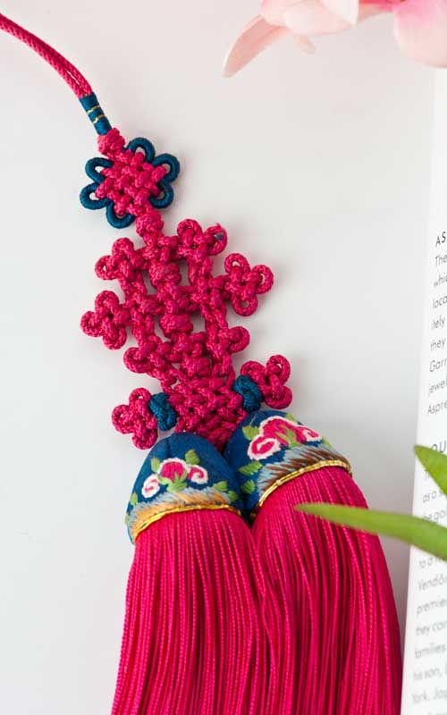 traditional knotting accessory