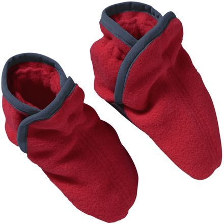 Whether you're little one is crawling around the living room while the snow falls outside or you're trying to keep his toes warm on a chilly excursion, slip his feet into the Patagonia Infant Boys' Baby Synchilla Booties. Made from the very same fleece that made Patagonia's Synchilla Pullovers so iconic, these booties are soft and warm against his skin.