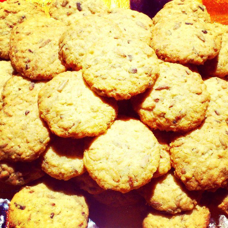 Maślane ciasteczka owsiane z prażonym słonecznikiem