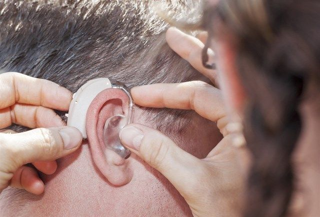 Incrementa la venta de audífonos en España, cada año más pacientes apuestan por la tecnología auditiva. #audífonos #tecnologíaauditiva