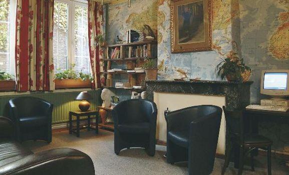 Het Flandria-centrum is een eenvoudig pension met budgetaccommodatie. Het ligt in het historische hart van Gent. Dankzij de uitstekende ligging komt u snel en gemakkelijk bij de voornaamste bezienswaardigheden. De kamers zijn eenvoudig en gezellig ingericht. Sommige kamers hebben een gedeelde badkamer, anderen hebben eigen faciliteiten. 's Ochtends kunt u genieten van een heerlijk ontbijtbuffet. Begin uw dag met verse en natuurlijke producten en lekker brood. Het zitgedeelte is een rustige…