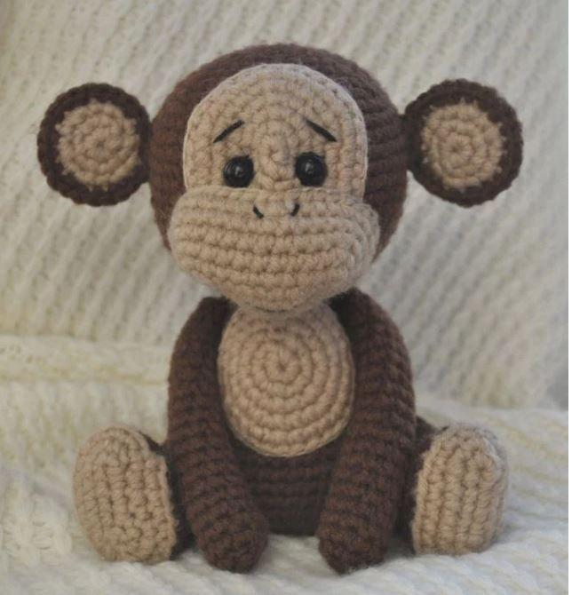 da amigurumi today scimmia nudita misura circa 23 cm. TESTA colore filato marrone scuro 1 giro am. 6 pb (6), 2 giro 1 aumento in ogni maglia
