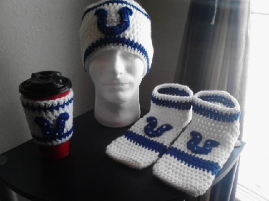 Men's Indianapolis Colts Crochet Set/Hat, Footies & Cup Sleeve: Crochet Sets Hats, Indianapolis Colts, Colts Crochet, Footi Cups, Cups Sleeve I M, Crochet Hats, Sleeve Awesome, Men'S Indianapolis, Crochet Sethat