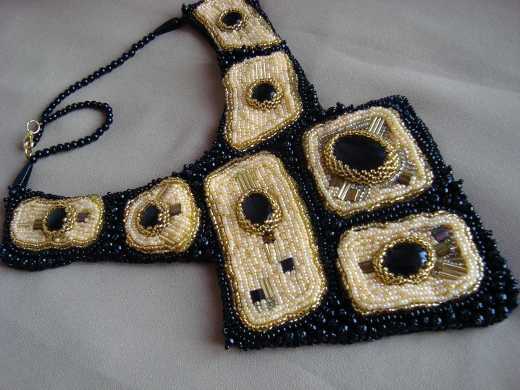 Adela Petcu_ I love geometry_Beads embroidered necklace, with onix and Delica beads.