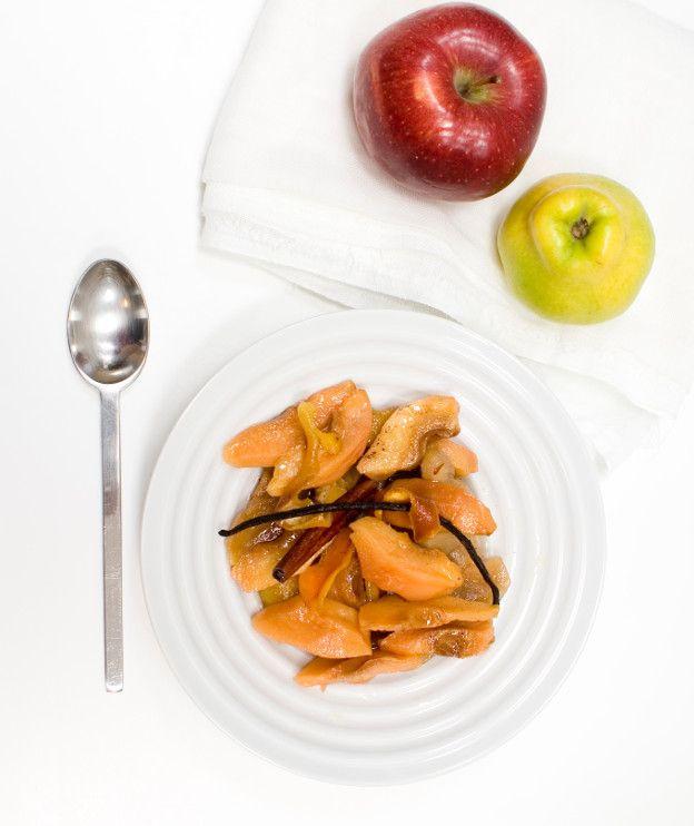 Από τα πιο ωραία φρούτα του χειμώνα, το κυδώνι μας δίνει υπέροχα γλυκά κουταλιού αλλά και αυτή την έξοχη μαρμελάδα.
