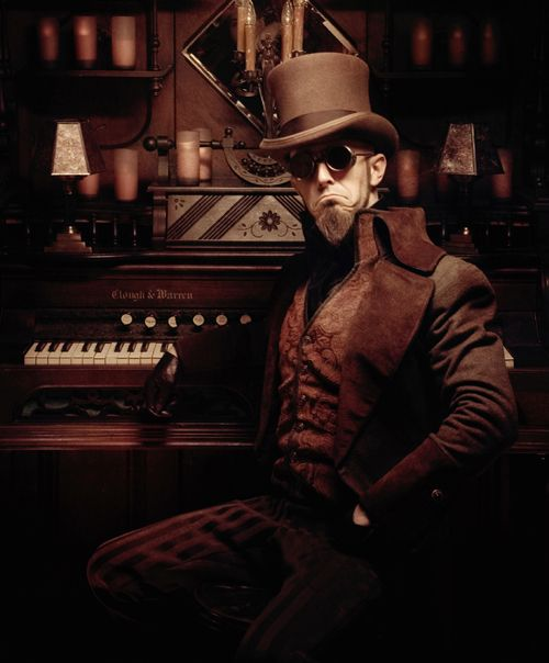 Doctor Steel 3012677dd7100a839b24018cacd687d6--steampunk-outfits-steampunk-clothing