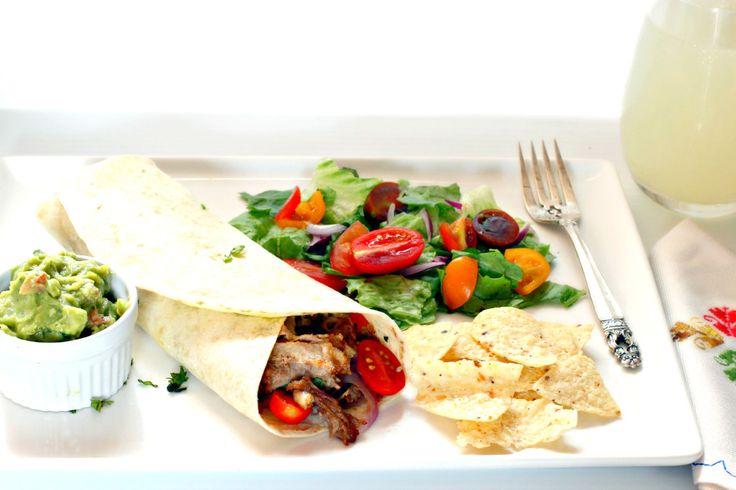 Llueva o este Soleado, Encuentra tu #porknostico del día acompañado de estos Tacos suaves de carnitas de cerdo #ad