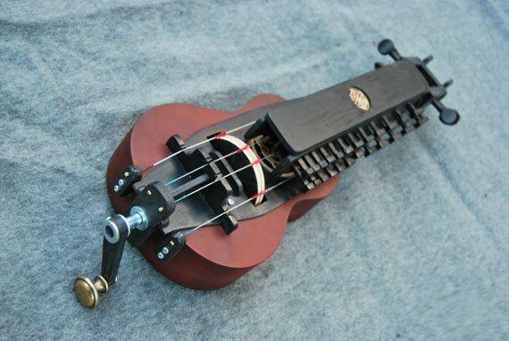 charming medieval celtic hurdy gurdy wheel lyre vielle a roue drehleier stringed. Black Bedroom Furniture Sets. Home Design Ideas