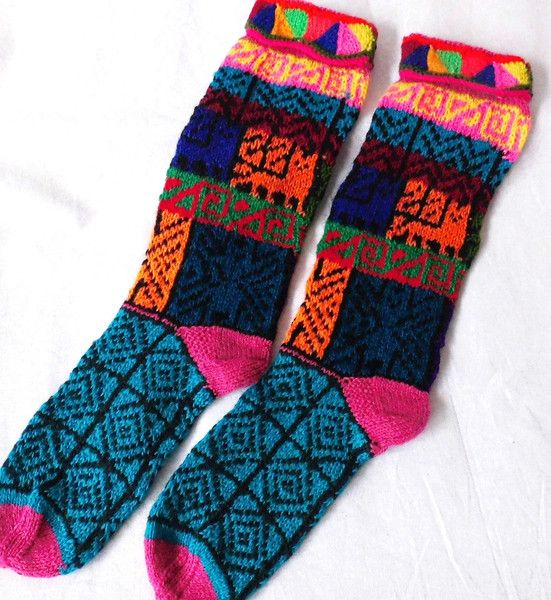 Socken - bunt gestrickte Indio Ethnic Socken Wolle Peru - ein Designerstück von santa-fee bei DaWanda