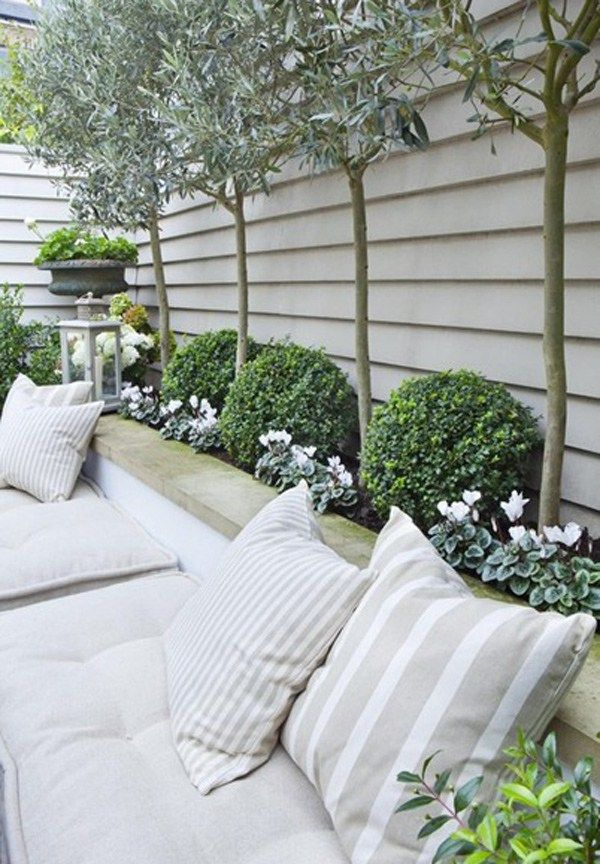 The First Step to a Backyard Makeover - Sugar and Charm - sweet recipes - entertaining tips - lifestyle inspiration