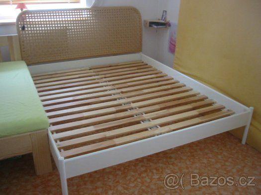 1500 Bílá postel s vyplétaným čelem - Plzeň-jih, prodám