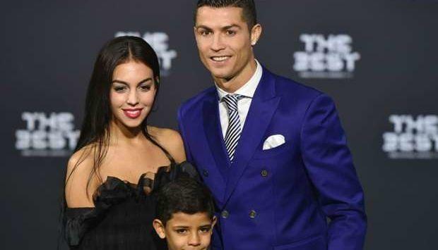 Cristiano Ronaldo Beli Wanita Lagi Untuk Dihamili Dan lahirkan Bayi Kembar