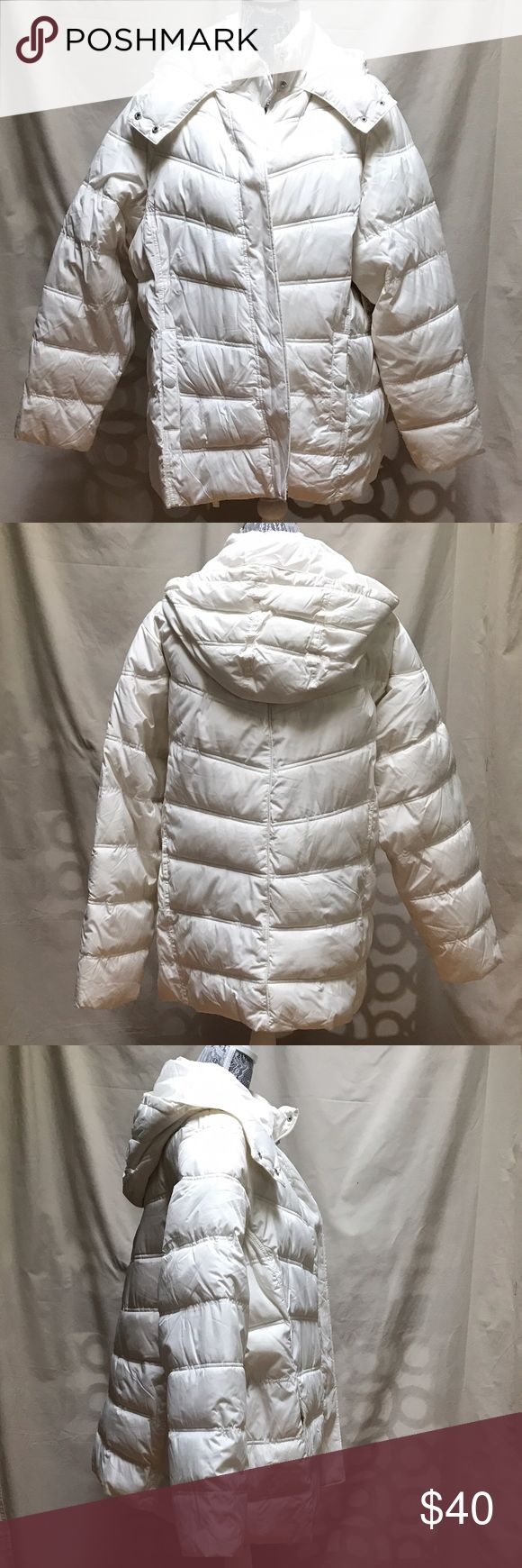 🆕 ST. JOHN'S BAY WOMEN'S PLUS SIZE JACKET COAT 2X 🆕 NWT St John's Bay Women's Puffer Coat 2X.  Stylish & warm puffer jacket in a beautiful ivory/winter white shade features a hidden front zipper with a snap-flap over it to keep the snow & wind out.  There is a wonderful warm hood with a toggled drawstring and under chin flap/snap as well as interior wrist elastic to stop the snow, wind & cold there too! St John's Bay Jackets & Coats Puffers
