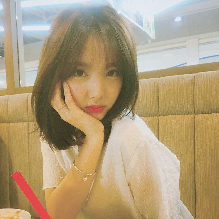 Pin by 𝓖𝓪𝓵𝓪𝔁𝔂 on TWICE - Nayeon   Nayeon, Twice nayeon, Girls crush