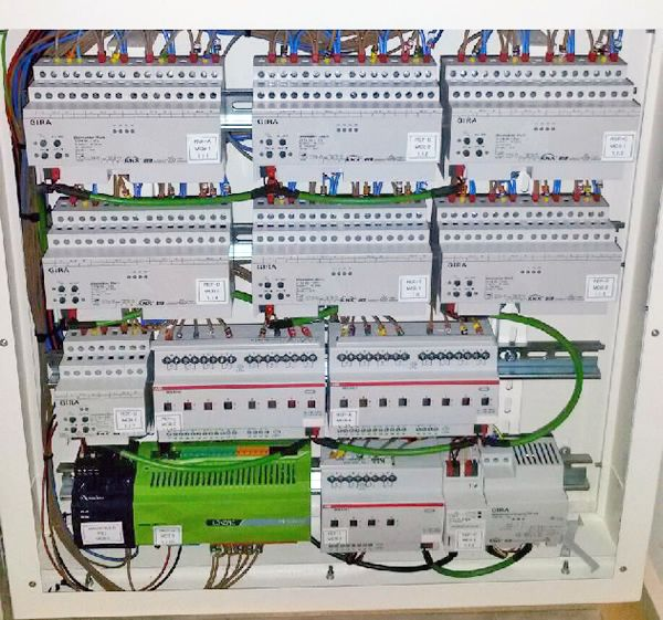 3013ba6d1e4bc8624dc315a240b1d7bd systems integrator design innovation 32 best knx images on pinterest smart home technology, smart knx lighting wiring diagram at bayanpartner.co