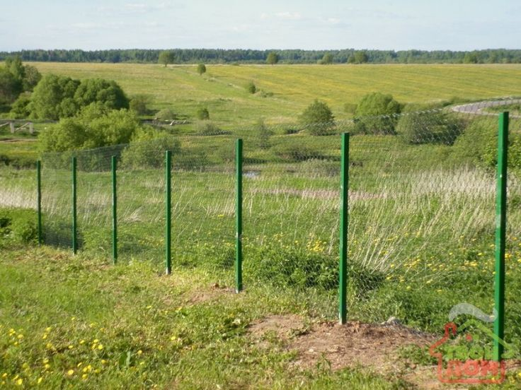 how to build a fence from mesh netting