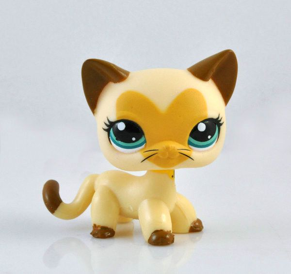 THE OLD LPS ARE BACK!!!!!! littlest pet shop cat yeah that's what they say honey but I want to know if it is true