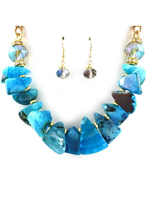 Sliced Agate Necklace in Graceful Blues