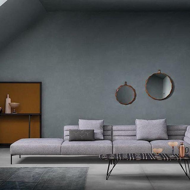 Oltre 1000 idee su tessuto grigio su pinterest tessuto - Salotto con divano blu ...