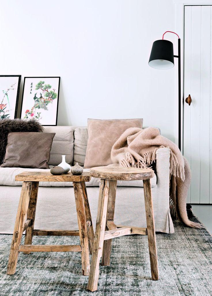 Un salon monochrome, convivial et cosy - Marie Claire Maison #pourchezmoi
