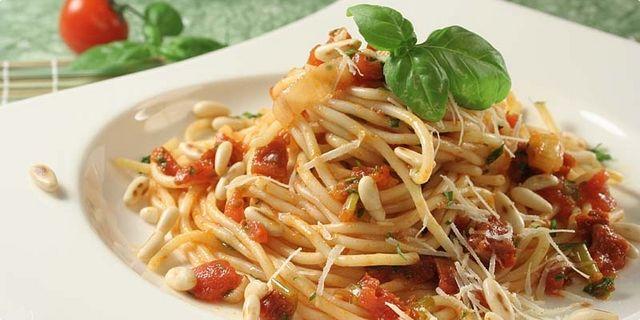 Špagety s rajčaty. Recepty — Podravka | S Podravkou chutná lépe