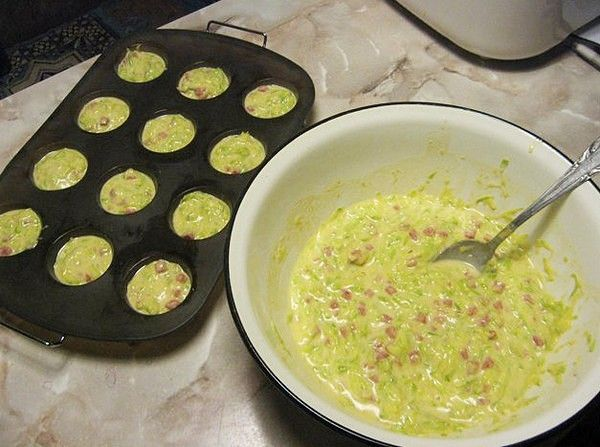 Кабачковые кексы — это блюдо сразу стало любимым в моей семье. Считаю его больше закуской, чем вторым блюдом, хотя можно подать и на ...