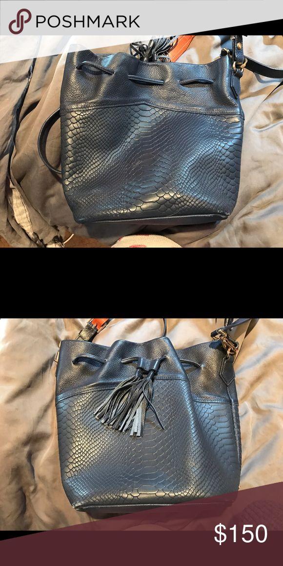 GIGI BAG Bucket bag. Great condition! GiGi New York Bags