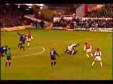 Arsenal Stunners - Stunning Goals from Arsenal Football Club