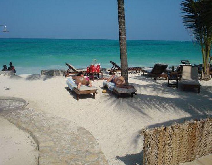 Beach resort in Kiwenga. For those who know Zanzibar, the Sultan Sands Island Resort stands where, until 2006, the La Villa Beach Club stood – then a standard 20 roomed hotel right next to Bluebay Beach Resort & Spa. #beachfront #resort #holiday #travel #family #tanzania  http://thebeachfrontclub.com/beach-hotel/africa/united-republic-of-tanzania/zanzibar/kiwengwa-beach/sultan-sands-island-resort/#overview