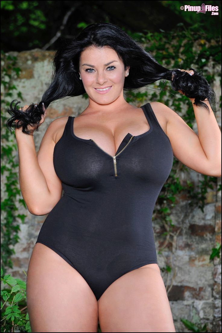 pamela anderson hot boob