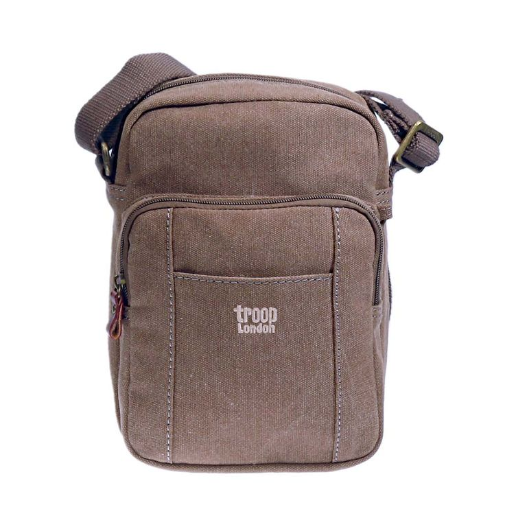 TRP0370 Troop London Classic Canvas Across Body Bag Troop London Classic Canvas across body bag TRP0370 is the new style added to Troop London Classic 2015 Collection. Troop London's TRP0370 is the small size shoulder bag with a spacious front pocket and zipped main compartment. External Dimensions: H25 x W17 x D8 cm Weight: http://www.trooplondon.com/trp0370-troop-london-classic-canvas-across-body-bag.html