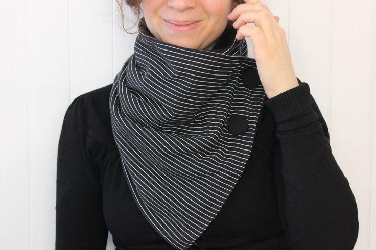 Snood, Écharpe tube rayé , foulard avec bouton, foulard en tissus recyclés, cache-cou, snood tissus, zel écodesign de la boutique Zelecodesign sur Etsy