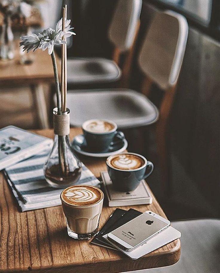 Freshly brewed coffee....bonne journée ma puce, je pense à toi dans le froid...