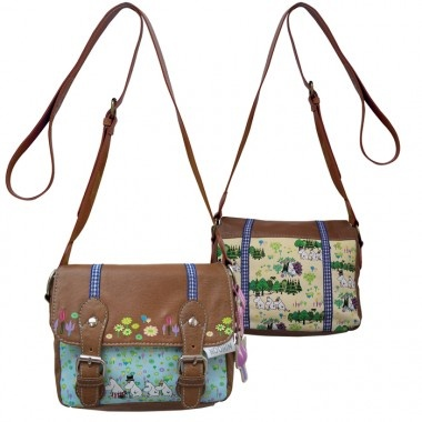 I love this Moomin satchel. I must have it!!