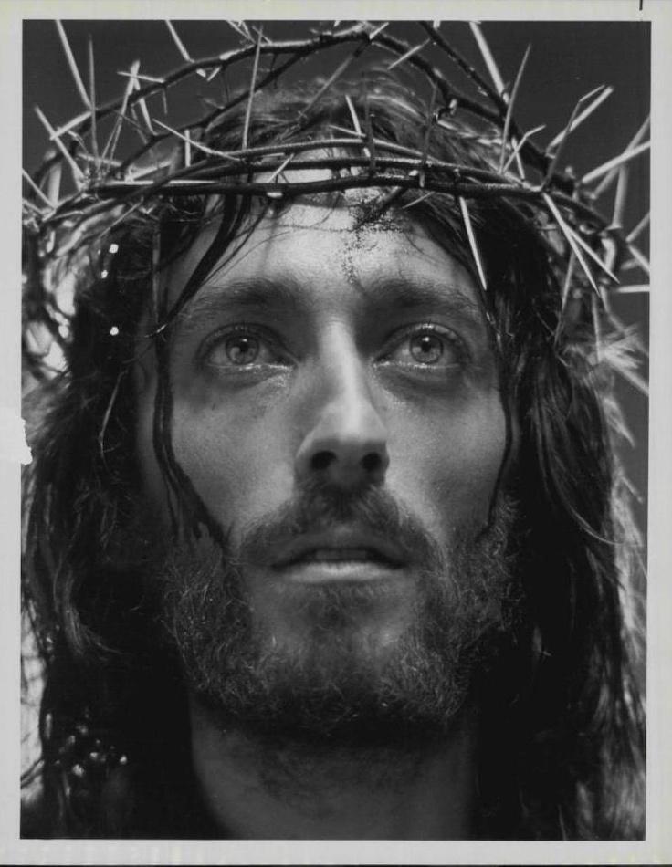 """Robert Powell in """"JESUS OF NAZARETH"""" (1977) ; Franco Zeffirelli"""