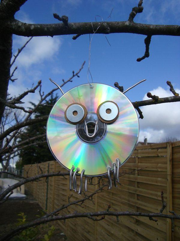 17 meilleures id es propos de vieux cd sur pinterest cd de bricolage cr ation de cd et. Black Bedroom Furniture Sets. Home Design Ideas