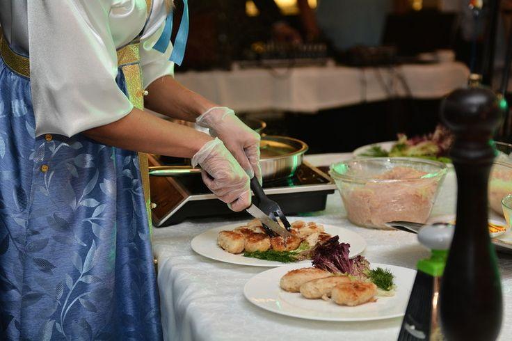 В нашей стране проживает более 120 народностей, если мы умножим это число на среднее количество блюд, которое характерно для кухни одной народности