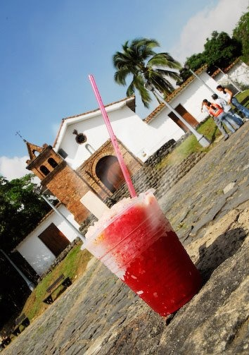 nothing better on a hot day than a Cholado, Iglesia San Antonio.- Santiago de #Cali.- #ValledelCauca.- #Colombia