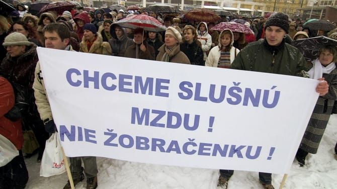 Slovenské platy sú bieda. Ilustračné foto