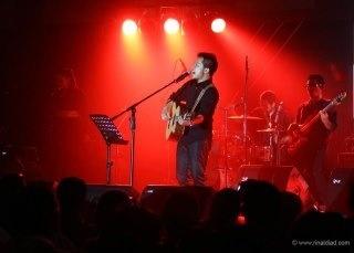 A singer perform at Hermes Hotel Banda Aceh.