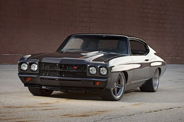 This 1970 Chevrolet Chevelle is What a Professional Race Car Driver Stomps on the Street