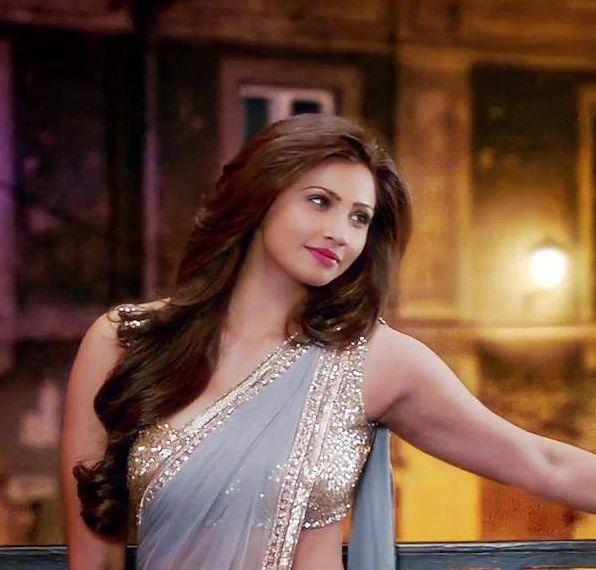 Daisy Shah Cute Photo in Jai Ho
