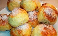 Эти вкусные и ароматные творожные булочки прекрасно подойдут для завтрака или в качестве угощения к чаю. Минимум времени на приготовление, а внутри – полезный творог! Кстати, такое блюдо отлично под…