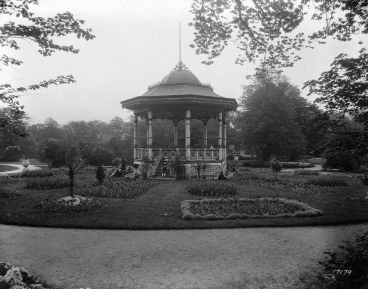 Jardins publics d'Halifax, 1920  Source : http://collectionscanada.gc.ca/pam_archives/index.php?fuseaction=genitem.displayItem&lang=fre&rec_nbr=3517566&rec_nbr_list=3029288,2266236,4301920,3305598,3517946,3517566