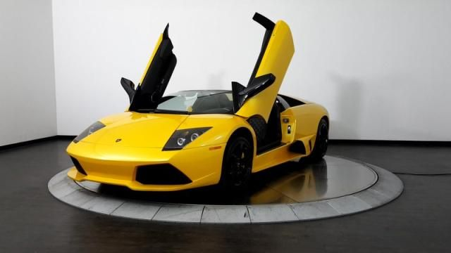 1990 Lamborghini MURCIELAGO LP640 ROADSTER FACTORY 6 SPEED 1 OF 4 MADE FOR USA Pictures - Auction Export https://www.auctionexport.com/en/Inventory/Pictures/1990-lamborghini-murcielago-lp640-roadster-factory-6-speed-1-of-4-made-for-usa-107167754?searchID=-191243932