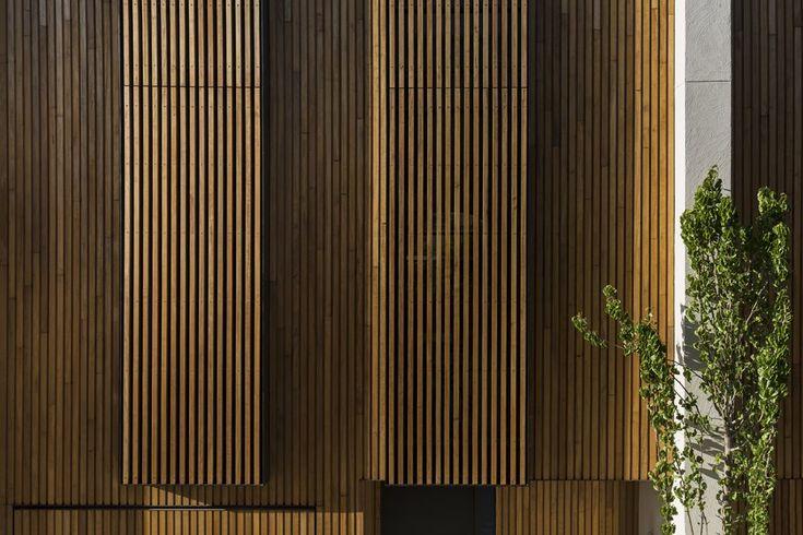 Esplanade 30 by Wood Marsh