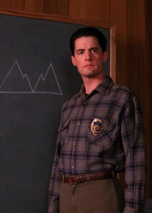 Kyle MacLachlan in Twin Peaks Season 2. His clothes got as bad as the plot